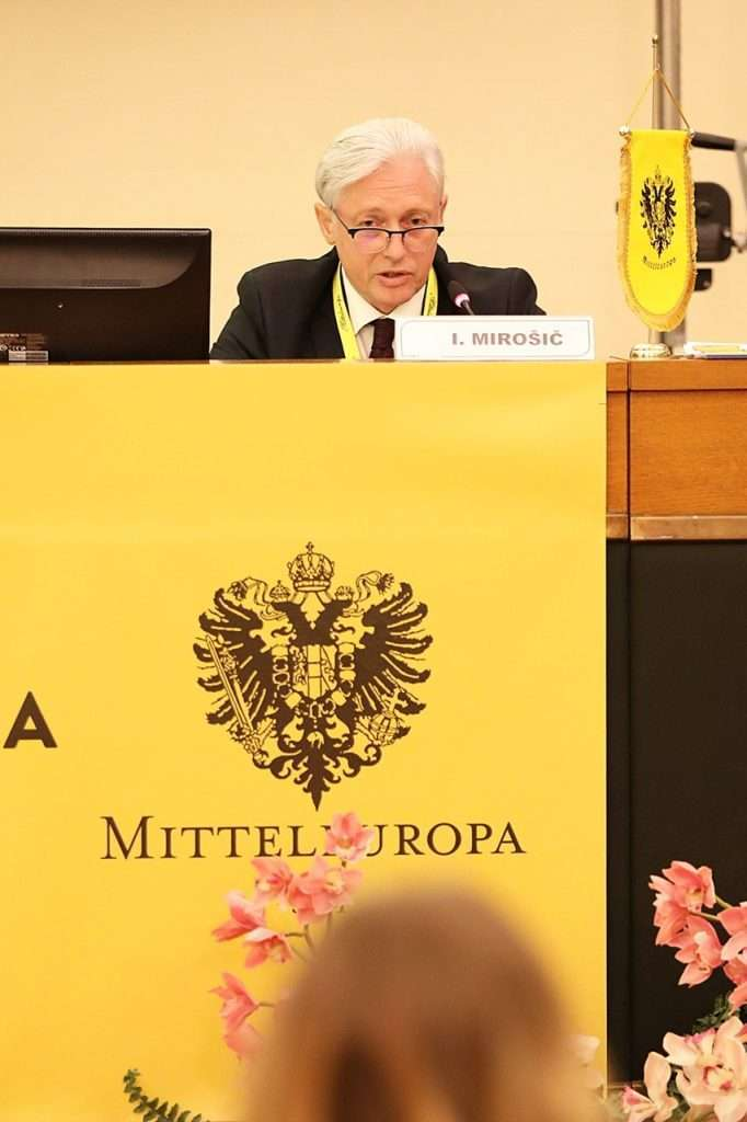 BSF Programme Director Ambassador Iztok Mirošič addresses the XVI International Forum of Aquilea Region